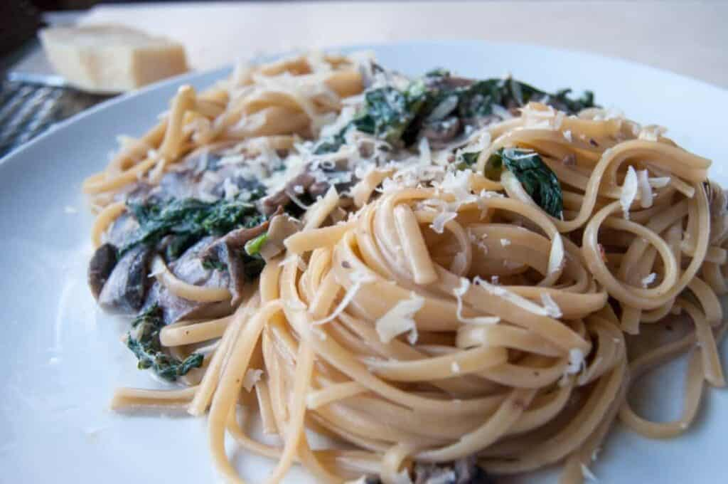 Creamy Mushroom and Kale Pasta