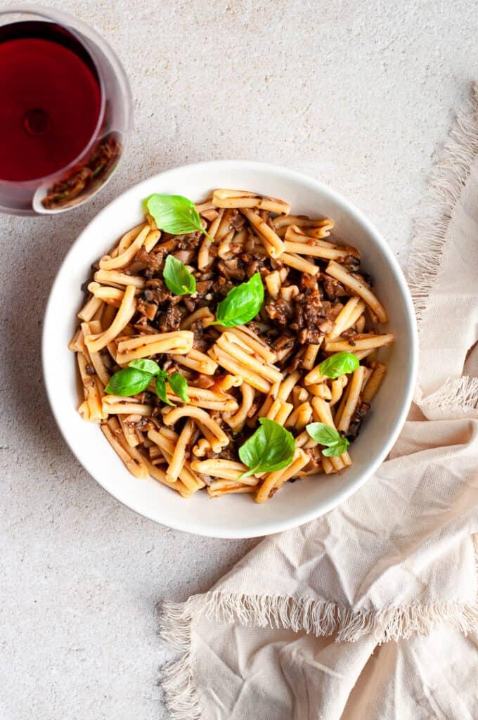 Easy Vegetarian Portobello Mushroom Bolognese